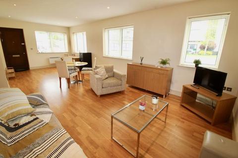 2 bedroom maisonette for sale - Courtlands, Sully, Vale Of Glamorgan, CF64 5QG