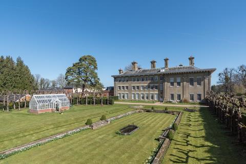 3 bedroom flat for sale - The Mansion House, Lees Court, Faversham, Kent