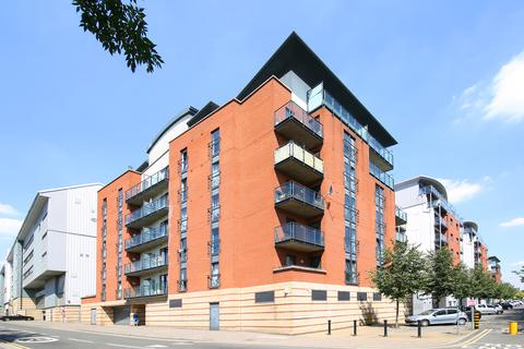 2 bedroom flat to rent - Johnston Court