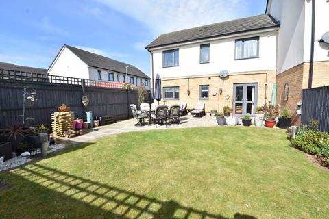 2 bedroom end of terrace house for sale - Someries Hill, Luton