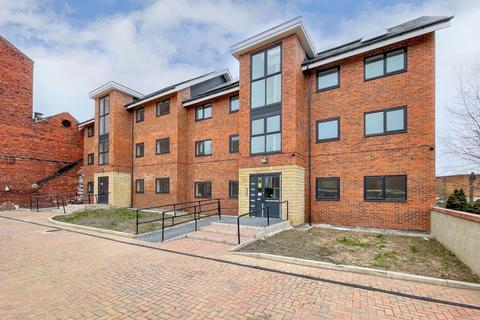 2 bedroom apartment to rent - Fountain Street, Morley