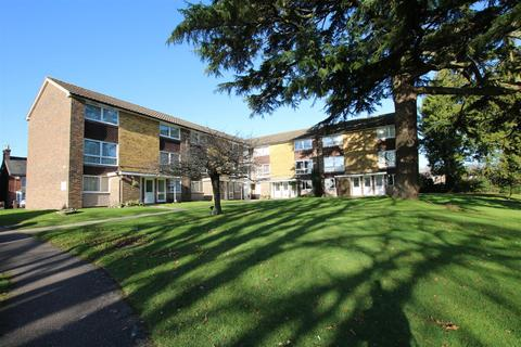 2 bedroom apartment to rent - Cotswold Court, Horsham
