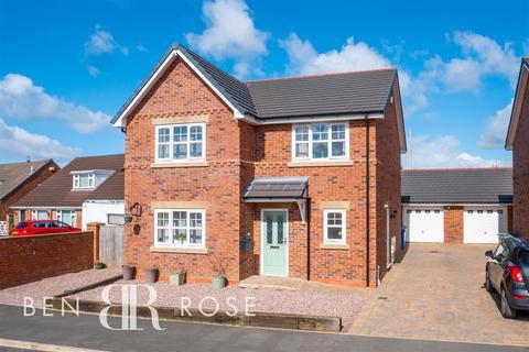 4 bedroom detached house for sale - Larkfield, Eccleston, Chorley