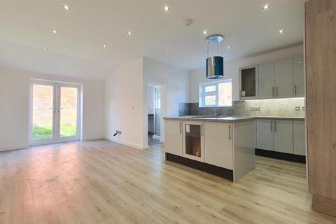3 bedroom semi-detached house for sale - Spring Road, Bournemouth