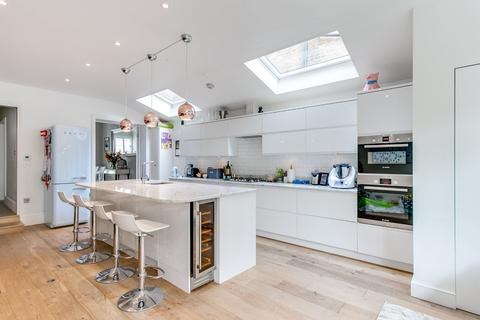 5 bedroom terraced house for sale - Cathles Road, London, SW12