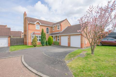 4 bedroom detached house for sale - Edenfield, Orton Longueville, Peterborough, PE2