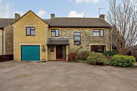 5 bedroom detached house for sale - Halse Road, Brackley, Northamptonshire