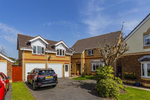 5 bedroom detached house for sale - Hastings Crescent, Old St. Mellons.