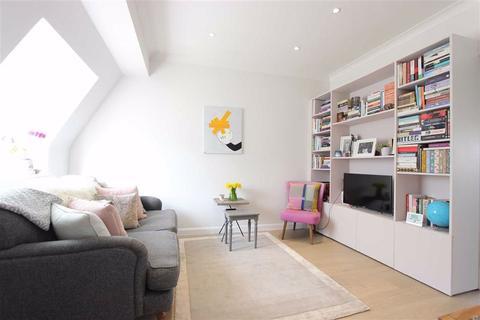 2 bedroom flat for sale - Cosgrove Close, Winchmore Hill, London