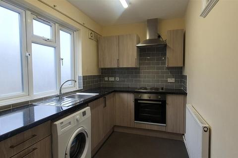 1 bedroom flat to rent - High Road, Wood Green, London