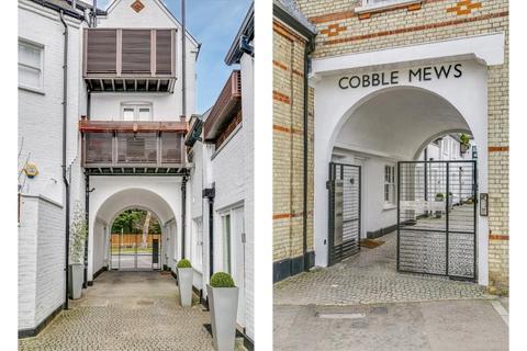 2 bedroom house for sale - Cobble Mews, Highgate West Hill, Highgate Village, London, N6