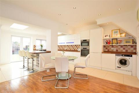 4 bedroom terraced house for sale - Gordon Road, Ilford, Essex