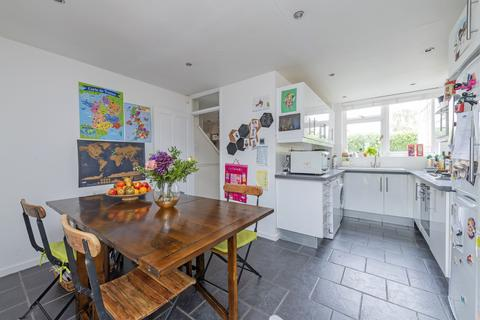 3 bedroom terraced house for sale - Darley Road, SW11