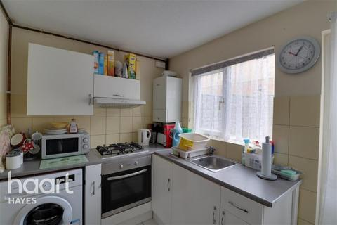 2 bedroom semi-detached house to rent - PENDULA DRIVE, UB4