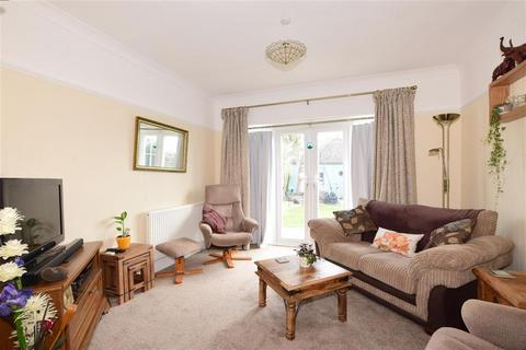 3 bedroom detached bungalow for sale - Manor Lane, Selsey, Chichester, West Sussex
