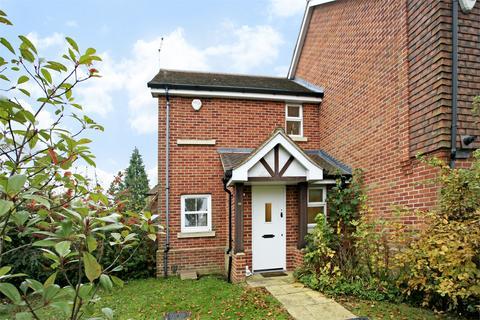 1 bedroom terraced house for sale - Ellerton Way, Wrecclesham, Farnham, Surrey, GU10