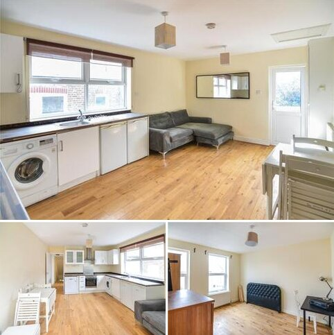 4 bedroom apartment to rent - Holdenby Road, London, SE4
