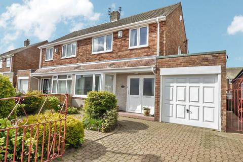 3 bedroom semi-detached house for sale - Horton Avenue, Bedlington, Northumberland, NE22 5TA