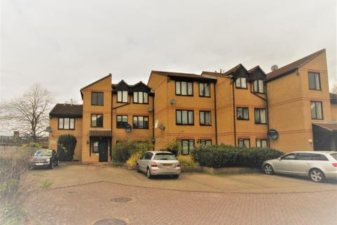 1 bedroom flat to rent - Waltham Cross, EN8