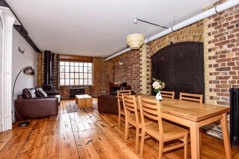2 bedroom apartment to rent - Weston Street London Bridge SE1