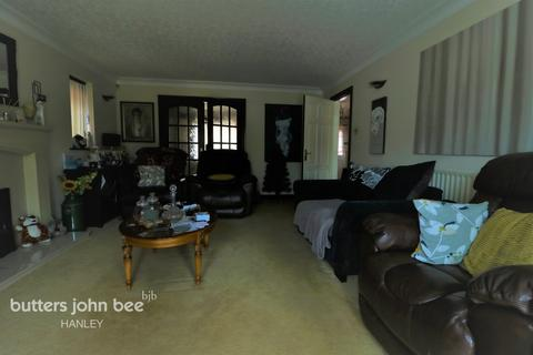4 bedroom detached house for sale - Sandy Hill Werrington Stoke-On-Trent ST9