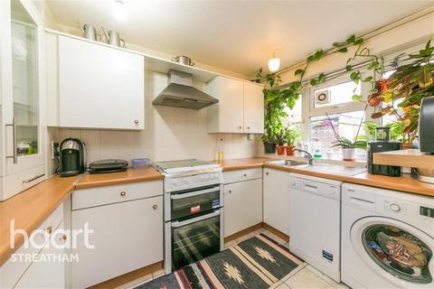 4 bedroom terraced house to rent - Goodman Crescent, SW2