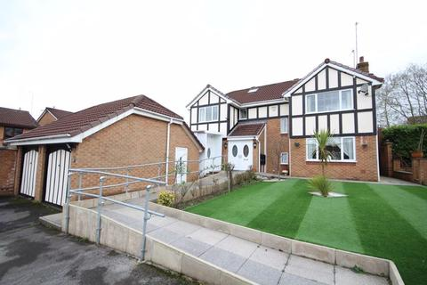 6 bedroom detached house for sale - TRAYLEN WAY, Norden, Rochdale OL12 7PN