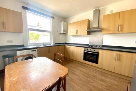 3 bedroom maisonette to rent - Honor Oak Park, London SE23