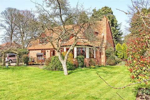 4 bedroom detached house for sale - The Spinney, Darlington Road