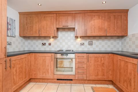 2 bedroom flat to rent - Singapore Road London W13