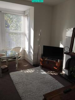 2 bedroom flat to rent - Sprowston Road, London, E7 9AD