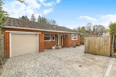 3 bedroom detached house for sale - Rosemary Lane, Rowledge, Farnham, Surrey, GU10