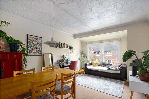 1 bedroom flat to rent - Victoria Park Road, London, E9