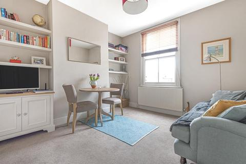 2 bedroom flat for sale - Mackay Road, Clapham