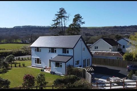 4 bedroom detached house to rent - Pentwyn, Dyffryn Road, Bryncoch, Neath, Neath Port Talbot. SA10 7AQ