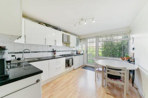 3 bedroom flat to rent - Clark Street, London E1