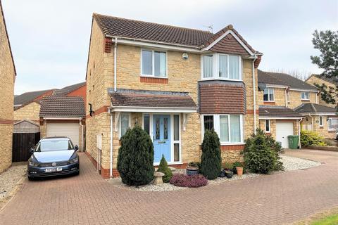 4 bedroom detached house for sale - Arrowsmith Drive, Stonehouse, GL10 2QR