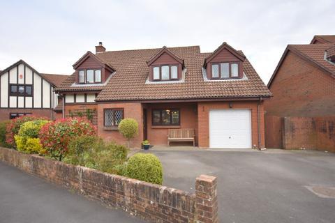 5 bedroom detached house for sale - 5 Meadowside, Penarth, CF64 3JX