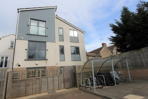 2 bedroom apartment to rent - St Martins Court, Portland Street