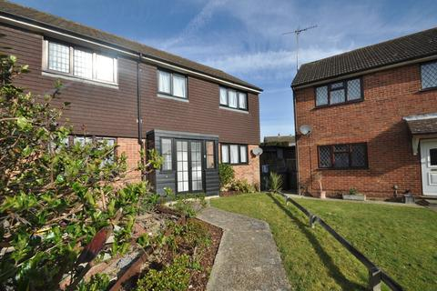 2 bedroom semi-detached house to rent - Henley Fields , St Michaels