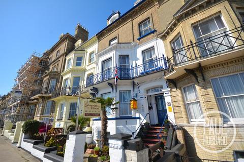 8 bedroom terraced house for sale - Kirkley Cliff, Lowestoft, Suffolk