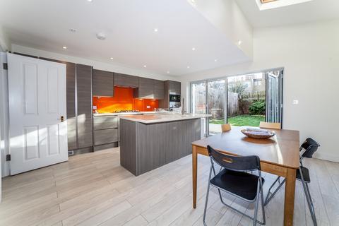 5 bedroom semi-detached house for sale - Sarsfeld Road, Balham, London
