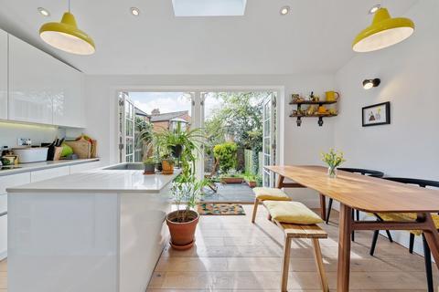 2 bedroom ground floor flat for sale - Oakley Gardens, Crouch End N8