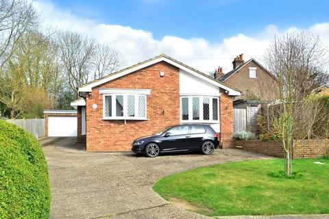 3 bedroom bungalow for sale - The Platt, Dormansland, RH7