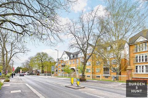 2 bedroom apartment to rent - Shore Point, Buckhurst Hill, IG9