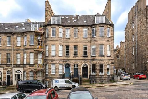 4 bedroom flat to rent - North Castle Street, City Centre, Edinburgh