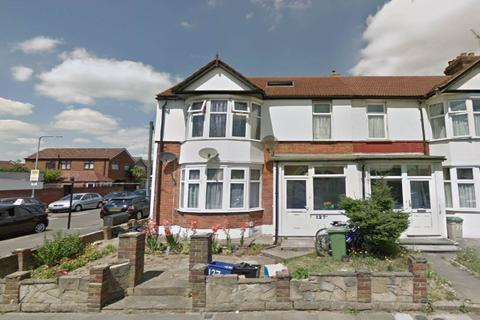 2 bedroom flat to rent - Breamore Road, Goodmayes, Ilford