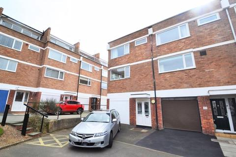 3 bedroom townhouse for sale - Hilbre Court, West Kirby