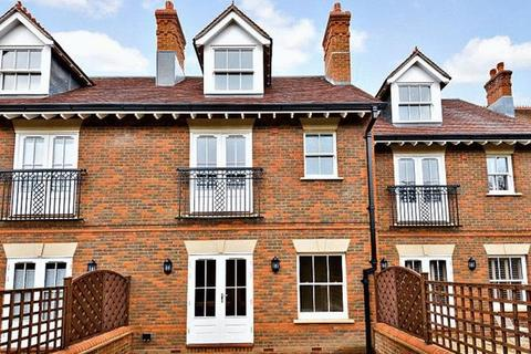 3 bedroom terraced house for sale - Wethered Park, Marlow
