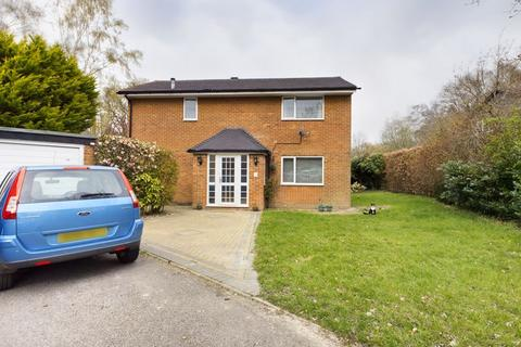 4 bedroom detached house for sale - Worth, Crawley